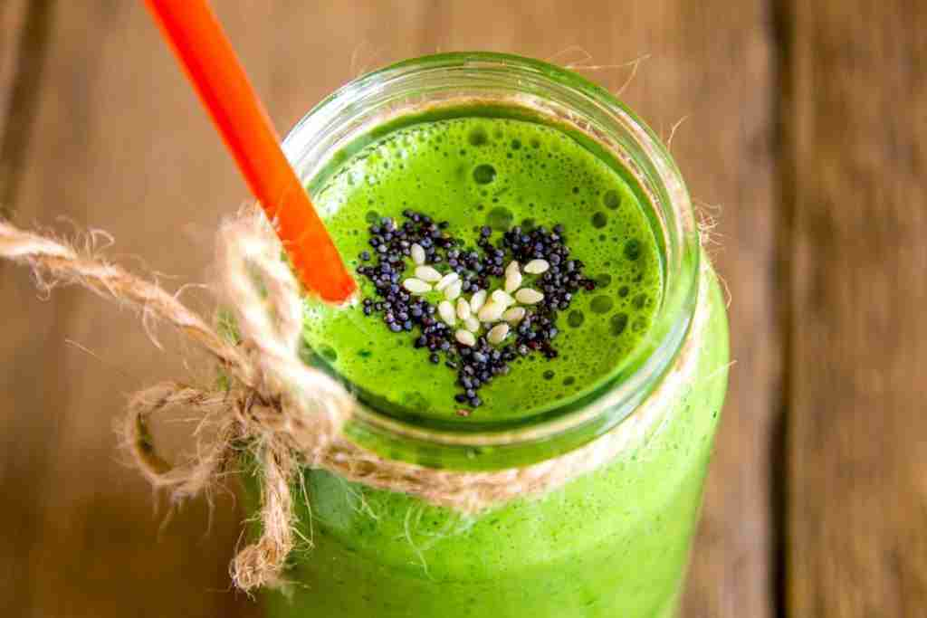 On How to Make a Smoothie Thicker and thinner