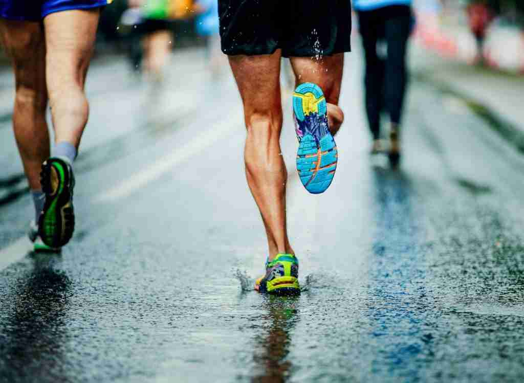 Pros and Cons Of Running Without Socks On